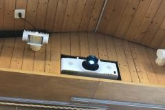 Gemeindesaal Kandersteg Projektor und Leinwand_1