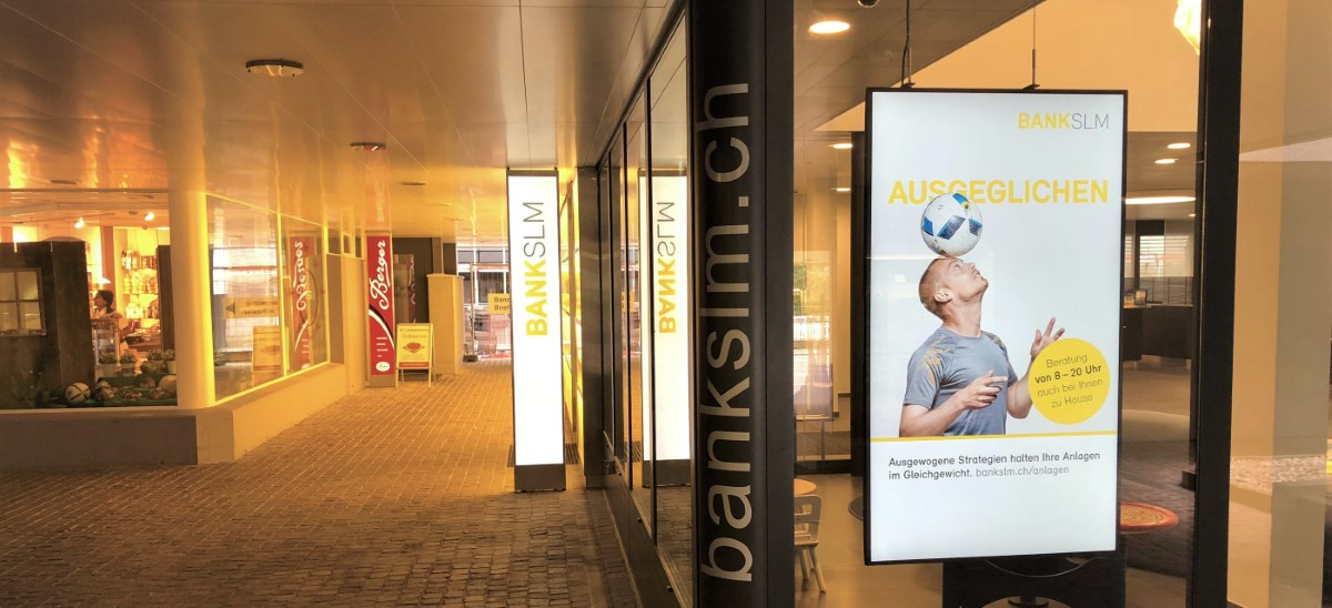 Digital Signage Bank SLM AG Münsingen Slider 2
