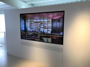 digital signage punkt6 monitor82zoll bertolino multimedia2