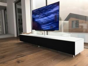 Spectral Möbel mit TV