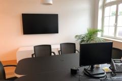 Sitzungszimmer_Raiffeisenbank_Spiez_Monitor_ClickShare