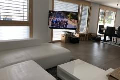 TV Wandhalterung 180° elektrisch